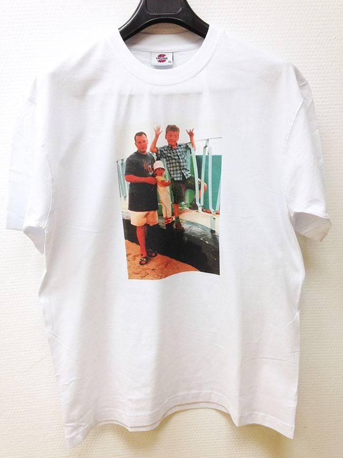 Фотография на футболке